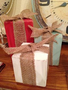 Burlap & Wood Christmas gift blocks. ASCP Emperor's Silk, ASCP Old White & CCCP Alaskan Tundra Green. Chalk Painted.
