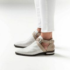 Spark Criss Cross High Vamp D'Orsay Loafer , Freda Salvador