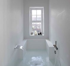 A Seamlessly Integrated Tub