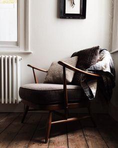 Home Design Living Room Home Design Living Room, Living Room Decor, Living Spaces, Living Roon, Interior Exterior, Interior Design, Interior Decorating, Ercol Chair, Armchair