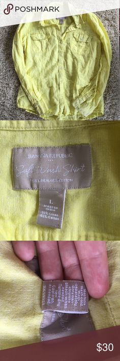 Banana Republic Soft Wash Cotton/Linen Shirt EUC. Size L. Can fit a Medium. Banana yellow long sleeve button up. Worn once. No stains, snags, or tears. 2 chest button pockets. 55% linen 45% cotton. All buttons attached and are secure. Banana Republic Tops