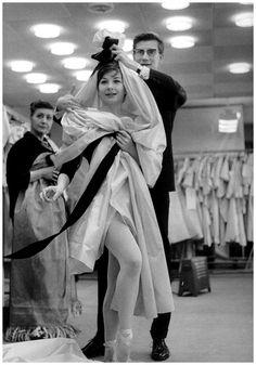 Yves Saint Laurent Photo Robert Doisneau 1964 | © Pleasurephoto Room