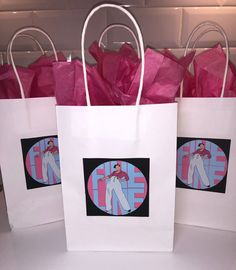 Festa Do One Direction, Bolos One Direction, One Direction Birthday, Harry Styles Birthday, Harry Birthday, Birthday Gift Bags, 18th Birthday Party, 21st Birthday Gifts, Birthday Party Decorations