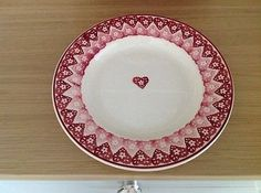 Doily 8.5 inch Plate (Studio Special sold online 2007) Discontinued