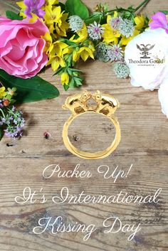 Happy International Kissing Day, Pucker up!  Kissing Pigs Ring.