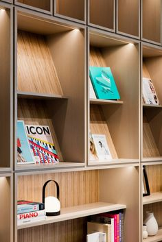 💪Creative craft decors for office walls? home office livin. 💪Creative craft decors for office walls? home office livin… 💪Creative c Bookshelf Design, Wall Shelves Design, Display Shelves, Display Wall, Corporate Interiors, Corporate Design, Office Interiors, Office Wall Shelves, Office Walls
