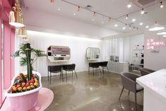 네일이 예쁘다 - 네일샵인테리어 Nail Salon Decor, Nail Shop, Beauty Shop, Interior, Table, Room, Furniture, Design, Home Decor