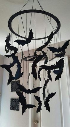 Are you in search of cheap Halloween decoration ideas? Then you're at the right place, as we have a pick of 25 amazing Halloween party decorations! Deco Haloween, Creepy Halloween Decorations, Halloween Party Decor, Holidays Halloween, Fall Halloween, Halloween Crafts, Happy Halloween, Halloween Bedroom, Samhain Decorations