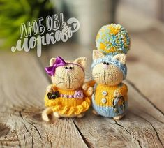 Hello You will love these crochet toys. You can find it on the amigurumi menu for tutorial. Knitted Bunnies, Knitted Cat, Crochet Bunny, Knitted Dolls, Cute Crochet, Crochet Toys, Amigurumi Patterns, Doll Patterns, Amigurumi Doll