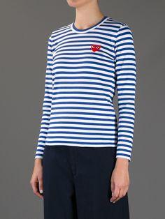 play trøje i blå str XS. kan købes i strom store