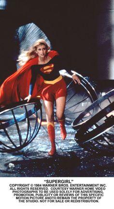 DC Comics in film - 1984 - Supergirl - Helen Slater as Supergirl Helen Slater Supergirl, Supergirl Movie, Supergirl Superman, Batman, Movies And Series, Cw Series, Indiana Jones, First Superman, Black Spiderman