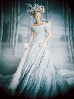 Narnia Snow Queen, Tilda Swinton picture by Paolo Roversi for Vogue US December 2005 Tilda Swinton, Paolo Roversi, Annie Leibovitz, Vogue Us, Movie Costumes, Narnia Costumes, Fairy Costumes, Witch Costumes, Fantasy Costumes