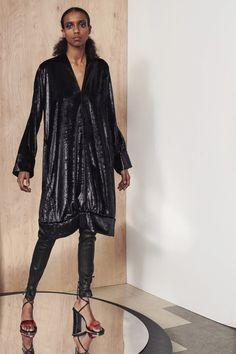 Zero + Maria Cornejo Fall 2021 Ready-to-Wear Collection - Vogue New York Fashion, Fashion News, Fashion Beauty, Luxury Fashion, Zero Maria Cornejo, Fashion Show Collection, Fall Dresses, Lounge Wear, Celebrity Style