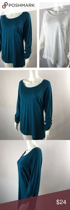 Express MEDIUM Pocket Tee Shirts Set of 2 Express MEDIUM Pocket Tee Shirts Set of 2 Long Cuffed Sleeves Scoop Neckline EUC Pre-owned, no stains or defects, Chest 40 Length 28, Set of 2, White & Teal Express Tops Tees - Long Sleeve