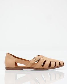 caesar ++ jeffrey campbell.  Just wish it had an arch...