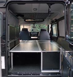 Alle drei Teile zusammen mit Schlafoption Land Rover Defender Camping, Land Rover Defender Interior, Defender Camper, Land Rover Defender 110, Off Road Camping, Suv Camping, Landrover Camper, 4x4, Custom Truck Beds
