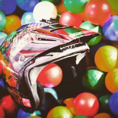 Wenn ein Trialsportverein kreativ wird...der MSC Brake besuchte das Herforder Kinderland Springolino um letzte Werbefotos für das Hallentrial 2015 zu machen. Tolle Idee!