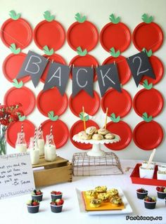 Delicious breakfast party to celebrate back to school with apple backdrop. Back To School Breakfast, Back To School Party, Back 2 School, Back To School Teacher, 1st Day Of School, School Parties, School Fun, School Days, Teacher Breakfast