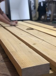 DIY How to make a sturdy wooden table on a small budget?