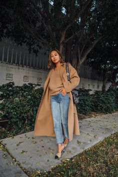 My Fail-Proof Fall Outfit – The Camel Coat