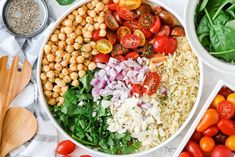 Orzo Pasta Salad is a fun Mediterranean twist on a classic pasta salad recipe. Tomatoes, spinach, and garbanzo beans are all tossed in a lemony dressing that perfectly compliments these flavors! This orzo pasta salad is a fresh, tangy and tasty recipe. Serve with grilled chicken, pork chops or any roasted meats. It's the perfect … Blt Pasta Salads, Orzo Salad Recipes, Pesto Pasta Salad, Greek Salad Pasta, Pasta Salad Italian, How To Cook Orzo, Lemon Vinaigrette, Pasta Shapes, Tasty Recipe