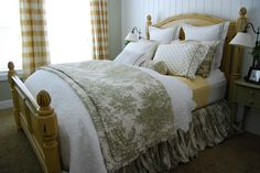 How to make the bed look like the display bed in designer stores!