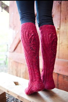 Boot socks: In teal? Or maybe cranberry? Or yellow, or gray, or cream or. I'll take a pair in every color :) Cute Socks, My Socks, Boot Socks, High Socks, Color Rosa, Knitting Socks, Sock Shoes, Leg Warmers, Autumn Fashion