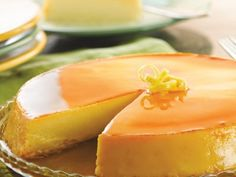Vanilla Flan, Caramel Flan, Chocolate and more. Our collection of Flan Recipes featuring your favorite Nestlé brands are easy and delicious! Flan Dessert, Flan Cake, Flan Cheesecake, Coconut Flan, Lemon Coconut, Coconut Cream, Mexican Food Recipes, Sweet Recipes, Dessert Recipes