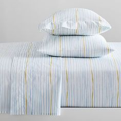 Layered in with neutrals or mixed-and-matched with patterns, let bold strokes of color take flight with our soft, organic cotton Feather Texture Sheet Set. Striped Bedding, Cotton Bedding, Linen Bedding, Bedding Shop, Bed Linens, Black Bedding, Organic Cotton Sheets, Cotton Sheet Sets, Feather Texture