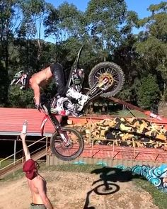 Harry Bink's Journey To Nitro Circus World Games Tracker Motorcycle, Motorcycle Dirt Bike, Dirt Bike Girl, Racing Motorcycles, Ktm Dirt Bikes, Motocross Videos, Motocross Girls, Wow Video, Video X