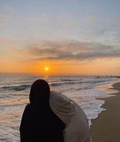 Cute Couple Videos, Cute Couple Pictures, Couple Photos, Cute Muslim Couples, Cute Couples Goals, Relationship Goals Pictures, Cute Relationships, Couple Aesthetic, Aesthetic Pictures