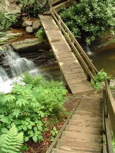 The Best Hikes to Waterfalls in Western North Carolina