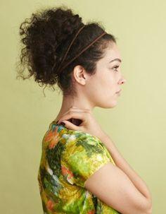 Coiffure cheveux frisés mi-longs - Cheveux frisés : nos plus jolies idées pour les coiffer - Elle