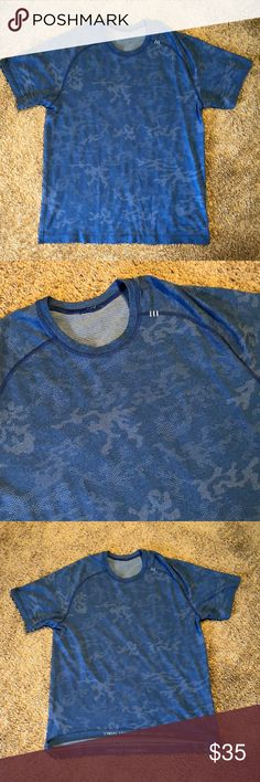 lululemon athletica Men's Shirt This is my favorite pattern from lulu. Size is xl, condition is excellent.  Note: the tag has been ripped off. lululemon athletica Shirts Tees - Short Sleeve