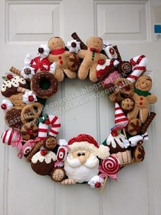 Awesome Christmas deco information are offered on our internet site. look at this and you wont be sorry you did. Gingerbread Christmas Decor, Crochet Christmas Decorations, Felt Decorations, Felt Christmas Ornaments, Easy Christmas Crafts, Christmas Sewing, Homemade Christmas, Christmas Projects, Christmas Wreaths