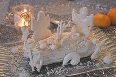 Bonjour à tous, Nous voici le 21 décembre, jour de la battle food #38, évènement culinaire rassemblant blogueurs et blogeuses cuisine autour d'un thème commun. Cette édition de décembre, marrainée par Lala de lalacuisine, nous invite à continuer nos préparatifs de Noël et mettre en avance de phase un peu de «rêve sur nos tables». … Xmas, Christmas, Birthday Candles, Fruit, Voici, Biscuits, Table, White Gardens, Easter Party