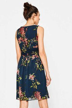 Esprit / Légère robe en chiffon, imprimé à fleurs