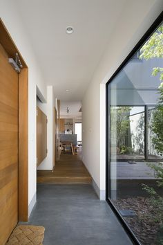 Home Interior Design, Interior Architecture, Japanese Modern House, Gate Design, House Design, Living Place, Narrow House, Forest House, House Windows