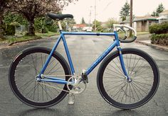 Super nice tribute to Cannondale's '92 track frame. I'd love to try riding this