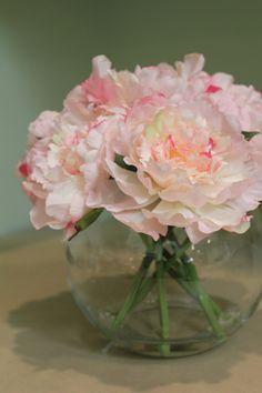 Weekend DIY: Floral Arrangement | The Subtle Statement