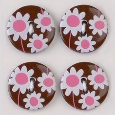 6 Schöne Kunststoff Knöpfe in braun,auf der Vorderseite mit Margeriten in den Farben weiß und rosa gestaltet.Die Rückseite ist  braun.