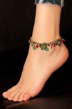 Deri Yaprak Detaylı, Pirinç Boncuk Halhal Ankle Jewelry, Jewelry Knots, Ankle Bracelets, Jewelry Crafts, Beaded Jewelry, Beaded Bracelets, Ankle Chain, Girls Jewelry, Schmuck Design