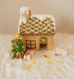 Miniature gingerbread house