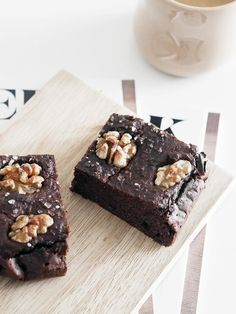 "Recipe, photos and words: Emilie Haaber (Instagram)  You've probably stumbled upon a ""healthi-fied"" brownie recipe before, and  this one, like many others, is made from an ingredient many of us never  would have imagined possible in a brownie recipe - beans! Whether you have  cooked with beans before or not, here are a couple of tips you should read  first:      * If using beans from a can (pre-cooked), always - ALWAYS - remember to       rinse the beans first. Use a strainer under cold…"