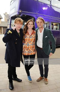 Actors Rupert Grint, Bonnie Wright and Tom Felton attend the Grand Opening of the Warner Bros. Studio Tour London: The Making of Harry Potter on March 2012 in Watford, England. Get premium, high resolution news photos at Getty Images Harry Potter Tour, Making Of Harry Potter, Draco Harry Potter, Harry Potter Universal, Harry Potter Movies, Tom Felton, Skai Jackson, Fred, Rupert Grint