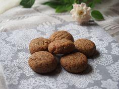 Oříškové sušenky (bez mouky, paleo) Healthy Cookies, Almond, Desserts, Paleo, Food, Tailgate Desserts, Deserts, Healthy Biscuits, Essen