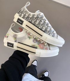 dior shoes Behind The Scenes By culturfits Sneakers Mode, Sneakers Fashion, Fashion Shoes, Shoes Sneakers, Aesthetic Shoes, Urban Aesthetic, Dior Shoes, Hype Shoes, Fresh Shoes