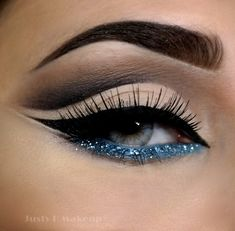 Arabic Eye Makeup Omg I could never pull this off but I'm inspired by the intense wing