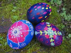 capers and crayons: Egg stravaganza - Three ways to decorate your ...