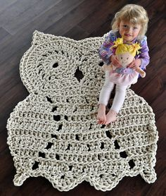 Whoo, Whoo let this huge owl in the house? – Owl Rug - Handmade from Twisted Thread And Hook